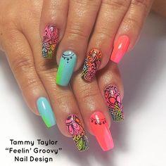 """♥ Tammy Taylor """"Feelin' Groovy"""" Nail Design"""
