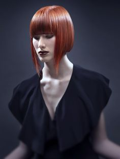 Red bob at night. Red bob at night. Stylish Short Haircuts, Cute Bob Haircuts, Bob Haircut With Bangs, Medium Hair Cuts, Medium Hair Styles, Short Hair Styles, Fringe Hairstyles, Funky Hairstyles, Pelo Mohawk