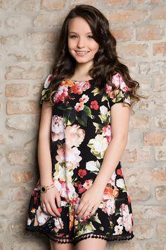 New years eve dresses Young Fashion, Tween Fashion, Fall Fashion Outfits, Fashion Clothes, Cute Little Girl Dresses, Girls Dresses, Outfits For Teens, Cute Outfits, Autumn Fashion Grunge