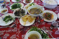 Lunch on Cham Island