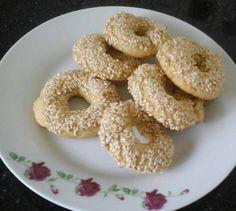 מתכון לעוגיות עבאדי ביתיות - רוצים להכין עוגיות עבאדי בבית? מתכון קל, פשוט, מהיר וטעים במיוחד לעוגיות עבאדי עם המון שומשום - עוגיות פרווה מעולות לאירוח!