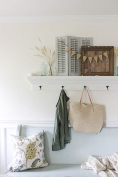 Fall Entry shelf wit