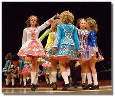 Irish dancers in traditional dresses Irish Jig, Irish Celtic, Irish Step Dancing, Irish Dance, Irish Customs, Scottish Tattoos, Celtic Dress, Country Dance, World Cultures