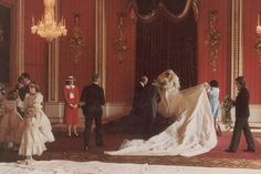Rare Photos Of Princess Diana's Wedding Emerge