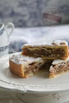 Spongata - A traditional Italian cake made with a rich shortcrust pastry and filled with nuts, dried fruits, honey, wine and spices. Italian Cake, Italian Desserts, Just Desserts, Italian Recipes, Delicious Desserts, Sweet Recipes, Cake Recipes, Dessert Recipes, Biscuits