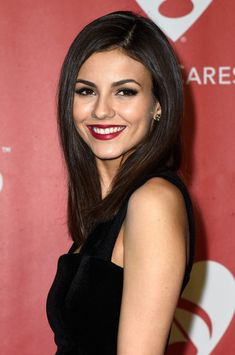 Victoria Justice Photos: The 2015 MusiCares Person Of The Year Gala Honoring Bob Dylan - Arrivals