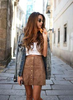 Suede Skirt + Jeans Jacket | Saia Evasê com Botões: