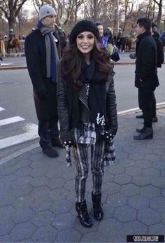 Cher Lloyd at the parade today, she looks gorgeous!