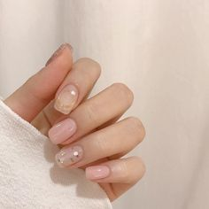 Pin by ✿ᴀᴅᴀᴍᴀʀɪs✿ on ✿иαιℓѕ✿ in 2019 Nails, Korean nail art, Korean nails Minimalist Nails, Cute Nails, Pretty Nails, Korea Nail Art, Hair And Nails, My Nails, Gel Nagel Design, Korean Nails, Nagel Hacks