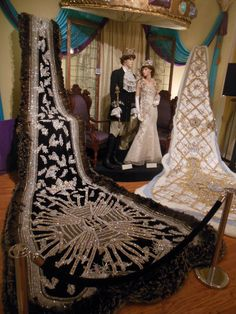 Mobile Mardi Gras – Chris and Ed travel adventure Court Dresses, Royal Dresses, Toge Romaine, Mobile Mardi Gras, Corset, Mardi Gras Centerpieces, King Outfit, Fiesta Dress, Queen Room