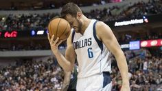 Andrew Bogut Picks to Sign With the Cavs, Pending Cleared Waivers