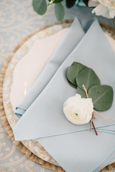 Setting the Perfect Table: How to Layer Textures + Patterns with BBJ Linen | Photography: Kearsten Taylor