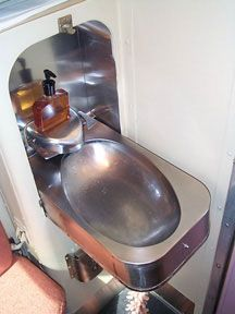 Silver Rapids Train Folding Sink