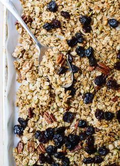 This delicious healthy granola recipe is the best! It's naturally sweetened with maple syrup (or honey). Just add oats, coconut oil, nuts and dried fruit.