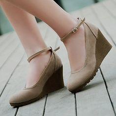 Cuña Cuñas talón de las mujeres del ante Bombas / zapatos de los tacones (más colores) – USD $ 24.99