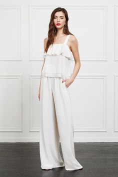 See the complete Rachel Zoe Pre-Fall 2017 collection.