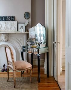 Brownstone of interior designer Hilary Robertson in Fort Green, Brooklyn