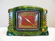 VINTAGE-1940s-ART-DECO-MID-CENTURY-BAKELITE-RADIO-SWIRLED-CATALIN-COLORS