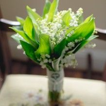 i think this is what I want the bridemaids to hold. these are my favorite. they're simple and so pretty.
