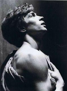 Rudolf Nureyev - Beauty will save Ballet Photography, Portrait Photography, Rudolf Nurejew, Male Ballet Dancers, Margot Fonteyn, Nureyev, Russian Ballet, Just Dance, Poses