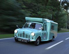 classic Mini Wild goose _ ultimate camping of its time Mini Countryman, Mini Clubman, Retro Cars, Vintage Cars, Jaguar, Mustang, Austin Cars, Classic Campers, Mini Camper