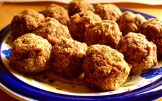 Greek Meatballs with ouzo from Mytilinii My Favorite Food, Favorite Recipes, Greek Appetizers, Eat Greek, Spaghetti And Meatballs, Greek Meatballs, Greek Dishes, Main Dishes, Greek Cooking