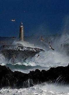 Lighthouse on Isla de Mouro, Spain