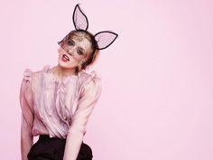 Chloe Sevigny by Pamela Hanson Fashion Shoot, Boho Fashion, Spring Fashion, Fashion Beauty, Vintage Fashion, Pamela Hanson, Chloe Sevigny, Lace Bunny Ears, Spring Street Style