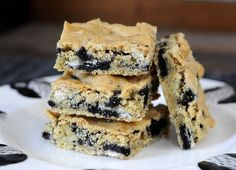 Cookies n' Cream Blondies - Baking Bites. These worked really well...even in Greece! They baked for 25 minuted