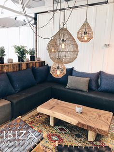 Ibiza Fashion, Outdoor Christmas, Outdoor Furniture, Outdoor Decor, Sweet Home, New Homes, Couch, Chair, Bed