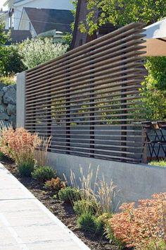 75 Easy Cheap Backyard Privacy Fence Design Ideas - Bailee News Design Patio, Modern Fence Design, Modern Landscape Design, Landscape Plans, Contemporary Landscape, Contemporary Gardens, Modern Contemporary, Contemporary Architecture, Backyard Privacy