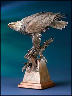 'The Defender' Bronze Sculpture by Ken Rowe of Rowe Gallery Bird Sculpture, Animal Sculptures, Wood Carving Art, Wood Art, Bird Fountain, Eagle Statue, Bald Eagle, Eagle Head, Fine Art Gallery