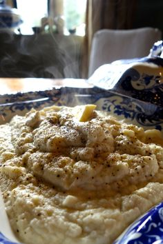 Carb Free Garlic Butter Mash - 1 cauliflower 1 sachet of miso paste 1 clove of garlic Lump of butter Splash of cream Nutmeg, salt n pepper. Comidas Paleo, Carb Free Recipes, French Fries Recipe, Good Food, Yummy Food, Healthy Recipes For Weight Loss, Healthy Foods, Us Foods, Garlic Butter