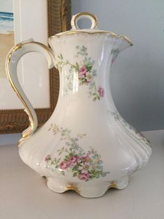 Elegant Vintage CH Field Limoges Haviland GOA France Coffee/Chocolate Pot. CONDITION: Excellent Vintage Condition! No Crazing, Cracks or Chips! SIZE: Stands 9 1/4 Tall to the Top of the Ring on the L
