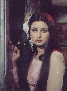 Most Beautiful Indian Actress, Beautiful Actresses, Bollywood Celebrities, Bollywood Actress, Poonam Dhillon, Hema Malini, Vintage Bollywood, Bollywood Stars, Vintage Advertisements
