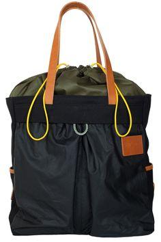 Choosing The Perfect Handbag That's Suitable For All Season - Best Fashion Tips Leather Gifts, Best Bags, Nylon Bag, Cheap Handbags, Shopper Bag, Satchel Handbags, Canvas Leather, My Bags, Fashion Bags
