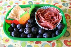 how to pack a kickass preschool lunchbox...follow link in article for tons of ideas!