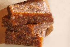 Raw Date Squares. If your trying to eat better and want a guilt free snack, try our Raw Date Squares. Naturally sweet, they satisfy a sweet tooth Healthy Snacks For Kids, Healthy Treats, Healthy Desserts, Raw Food Recipes, Snack Recipes, Cooking Recipes, Free Recipes, Healthy Food, Healthy Eating
