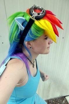 Rainbow Dash by ~DeziUntamed on deviantART