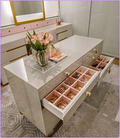 24 Ideas bathroom closet remodel walks for 2019 Walk In Closet Design, Bedroom Closet Design, Master Bedroom Closet, Closet Designs, Bedroom Decor, Bathroom Closet, Girls Bedroom, Dressing Room Closet, Dressing Room Design