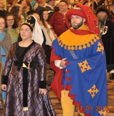 Wool houppelande in the style of the early century. 15th Century Clothing, Medieval, Burgundy, Wool, Clothes, Ideas, Dresses, Style, Fashion
