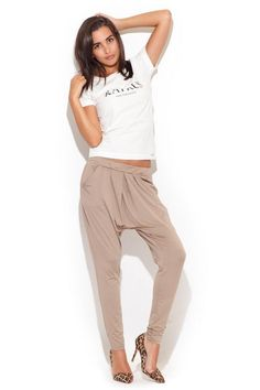 Loose pants with matching legs at the bottom