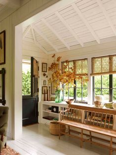 English Cottage Meets California Cool in a Mill Valley Home – Countryside house Cottages Anglais, Sweet Home, California Style, Northern California, Valley California, California English, California Fashion, California Homes, Home Interior