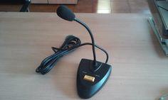 Microfono de sobremesa incorporado a una instalacion de musica ambiental permite la difucion de avisos y llamadas,