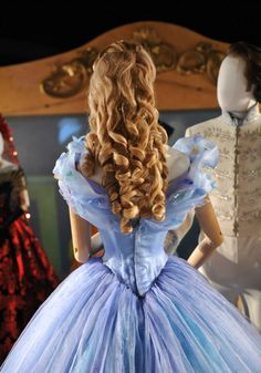 Cinderella I Lily James Cinderella Sweet 16, Cinderella Movie, Cinderella 2015, Cinderella Dresses, Disney Dresses, Pelo Princesa Disney, Cinderella Cosplay, Cinderella Hairstyle, Princess Hairstyles