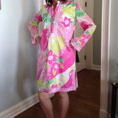 """Lilly Pulitzer Prints of Caw Dress Details: Material:  100% Lined Cotton with lace detail Size:  S (looser fit; a little big on me) Measures from Shoulder to hem:  35"""" Missing two top fabric buttons Otherwise in pristine condition (has tag, not sure of year) Lilly Pulitzer Dresses Long Sleeve"""