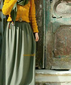 Green and mustard combi - check out: Esma Hijab Casual, Hijab Style, Hijab Chic, Abaya Fashion, Muslim Fashion, Modest Fashion, Maxi Outfits, Modest Outfits, Fashion Outfits