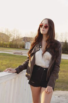 @flattery and #Ray-Ban round lenses #Sunglasses http://www.smartbuyglasses.com/designer-sunglasses/Ray-Ban/Ray-Ban-RB3447-Round-Metal-Polarized-112/4D-231734.html?utm_source=pinterest&utm_medium=social&utm_campaign=PT post