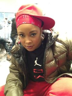 Da Brat keeps her remixes and freestyles going as she releases a fresh one over the Young Chop beat today. Da Brat, Love N Hip Hop, Hip Hop And R&b, Rapper Delight, Women In Music, I Love Music, Black Girls Rock, 2000s Fashion