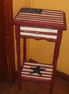 Decisive defined americana country home decor Find savings Americana Crafts, Patriotic Crafts, Patriotic Decorations, Americana Living Rooms, Americana Bedroom, Americana Kitchen, Painted Chairs, Painted Furniture, My Living Room